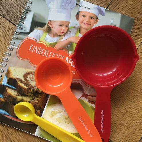 Becherküchenbuch mit Bechern