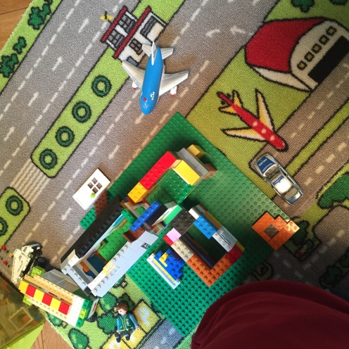 Lego, aufzuräumen.