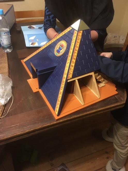 Aufbau I: Pyramide