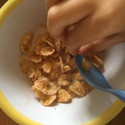 Frühstück (Cornflakes).