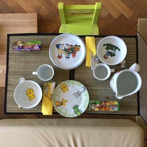 Frühstückstisch (Kinder)