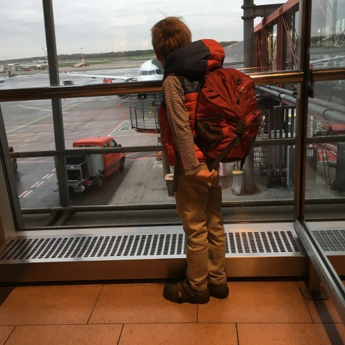 Am Flughafen.