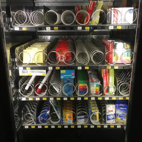 Automat mit Karteikarten.