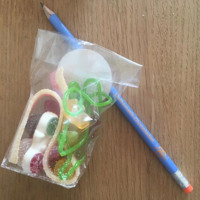 Bleistift & Süßkram.