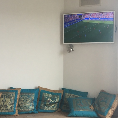 Fernseher.