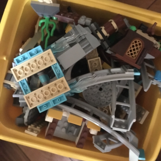 Lego-Geisterbahn.